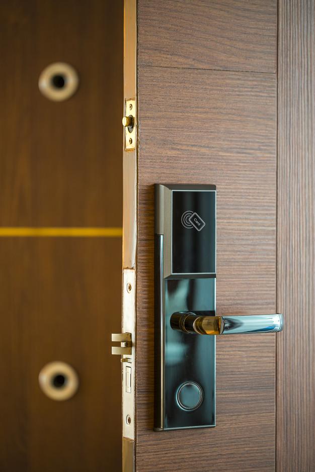 smart card door key lock system hotels business technology market